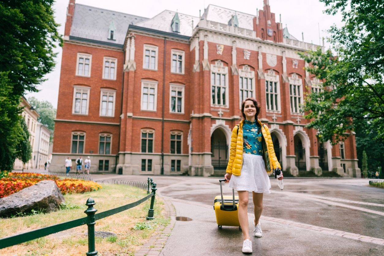 How to tour colleges on a budget - captainu college sports recruiting blog article