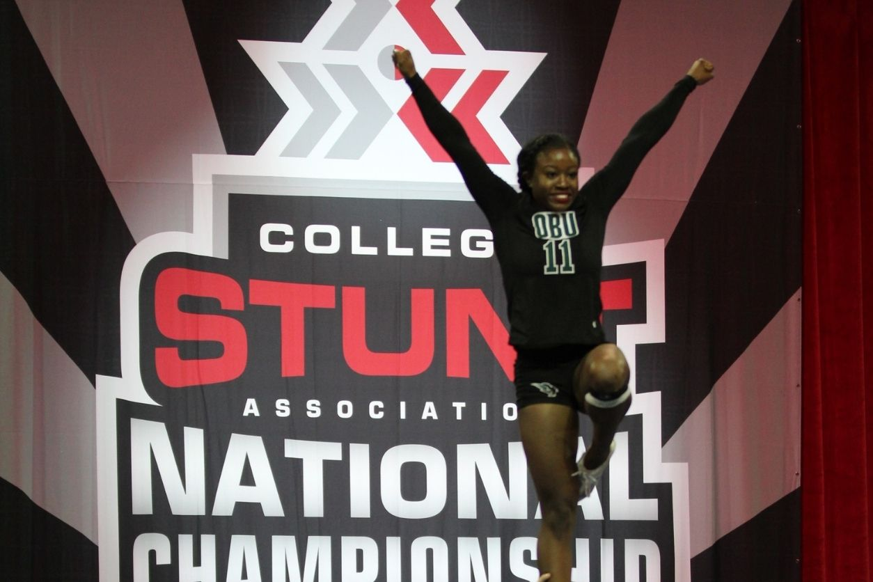 Building Your Stunting Basics - STUNT in college - captainu college sports recruiting blog article